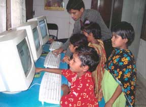 Community service programs training kids on using computers